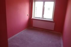 Hard roze kamer naar wit latexspuiten