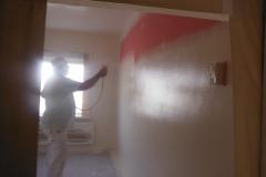 Van hard roze naar wit latexspuiten
